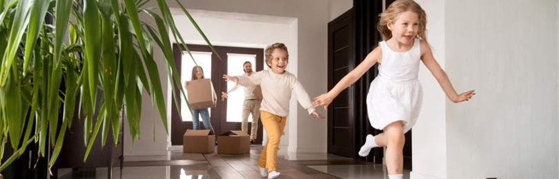 Family_Of_Four_Moving_Into_New_Home